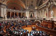 Πορτογαλία: Οι φονικές φωτιές δεν «έριξαν» την κυβέρνηση - Ψήφος εμπιστοσύνης από τη βουλή