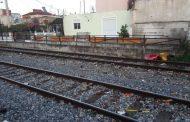 Διαμαρτυρία στις σιδηροδρομικές γραμμές στη Λάρισα