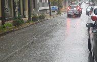 Προβλήματα στη Λάρισα από την καταιγίδα