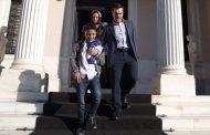 Υποδοχή του μικρού Αμίρ στο Μαξίμου από τον Πρωθυπουργό