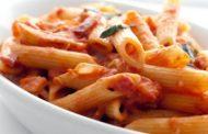 Αγιορείτικη συνταγή ζυμαρικών με κόκκινη σάλτσα πιπεριάς