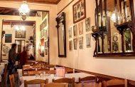 Φάγαμε στις πιο ιστορικές ταβέρνες της Αθήνας