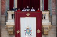Πάπας Φραγκίσκος: «Πρέπει να αναγνωρίσουμε τα Χριστούγεννα στα βλέμματα των παιδιών»