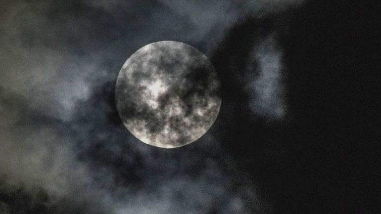 Oλική έκλειψη υπερ-Σελήνης την Τετάρτη