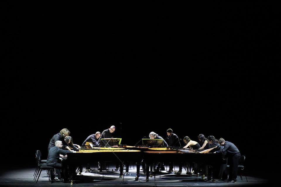 Piandaemonium (6 πιάνα-12 πιανίστες)