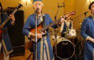 Ιαπωνική μπάντα τραγουδάει το «Βρε Μελαχρινάκι» με τον πιο απίστευτο τρόπο