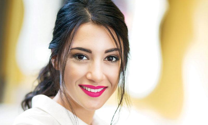 Η Ευγενία Σαμαρά μιλάει για τη δουλειά και τους φίλους της