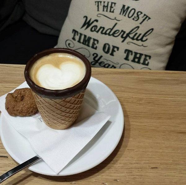 Το πρώτο ποτήρι καφέ που τρώγεται στην Ελλάδα!