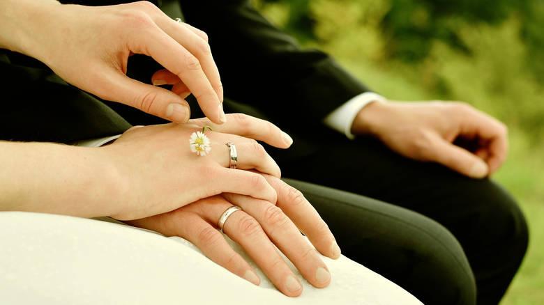 Πιθανότερο να χωρίσουν όσοι παντρεύονται του Αγίου Βαλεντίνου