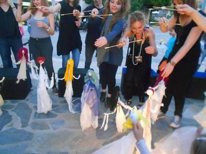 Παγκόσμια Ημέρα Κουκλοθέατρου: Ο Τιριτόμπα εκπαιδεύει…