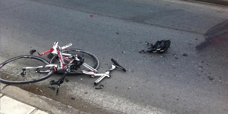 Τραυματίστηκε ανήλικος ποδηλάτης σε τροχαίο στη Λάρισα