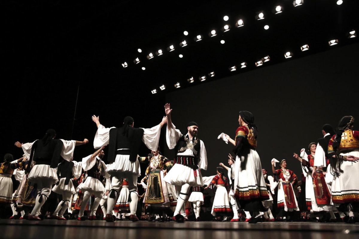 Το Λύκειο των Ελληνίδων Λάρισας στο Δίον