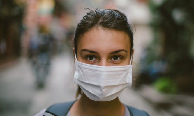 Κορονοϊός: Χρήση προστατευτικής μάσκας – Πότε και πού τη φοράμε