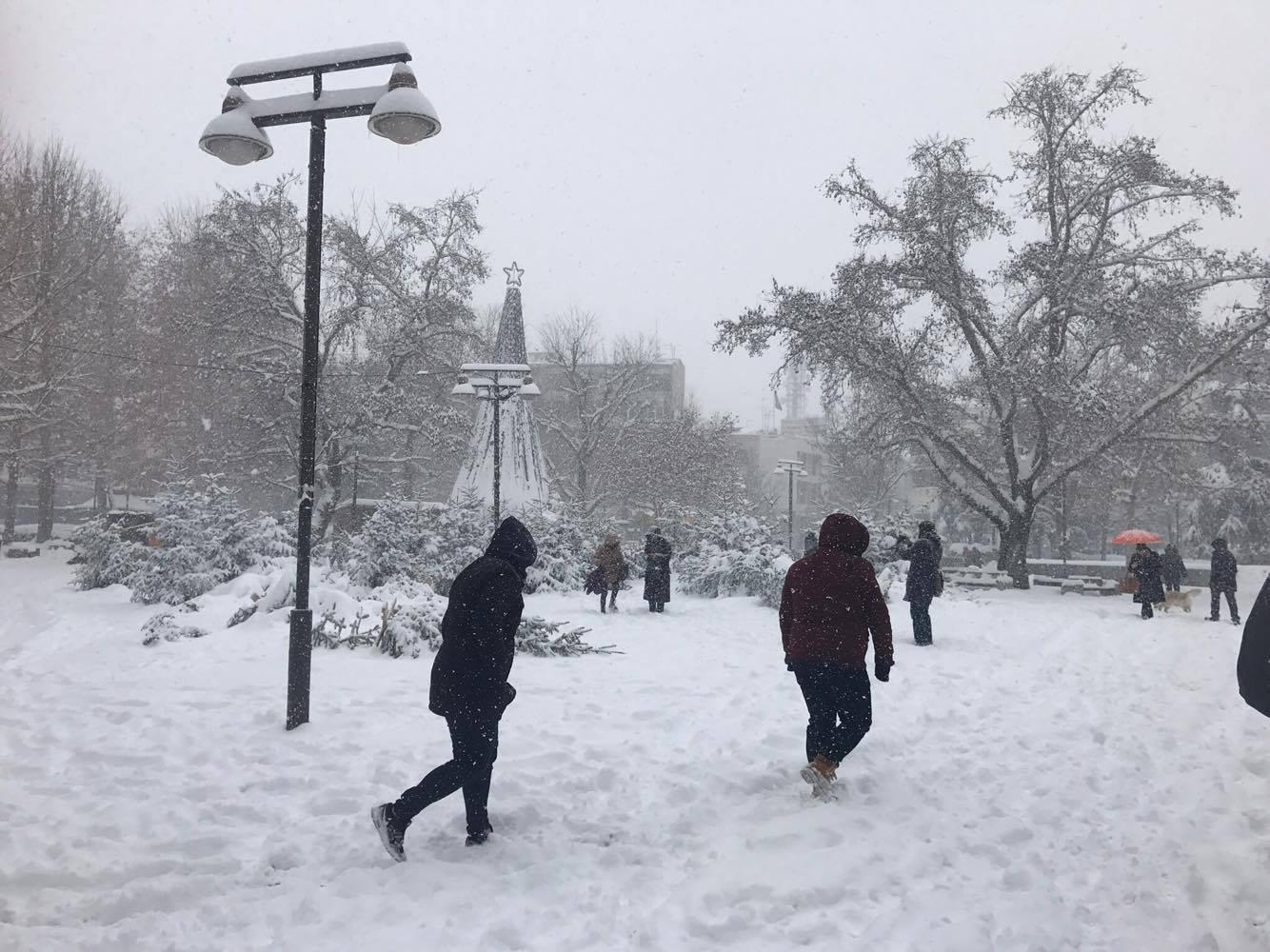 Έρχεται χιόνι στην πόλη και… πολικές θερμοκρασίες!